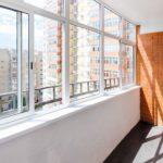 Как увеличить балкон и сделать панорамный вид дешево